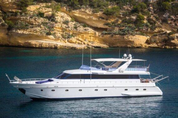 charter-ace-six-yacht-_eeccae